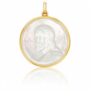 Medalla Cristo de las Catacumbas Nácar
