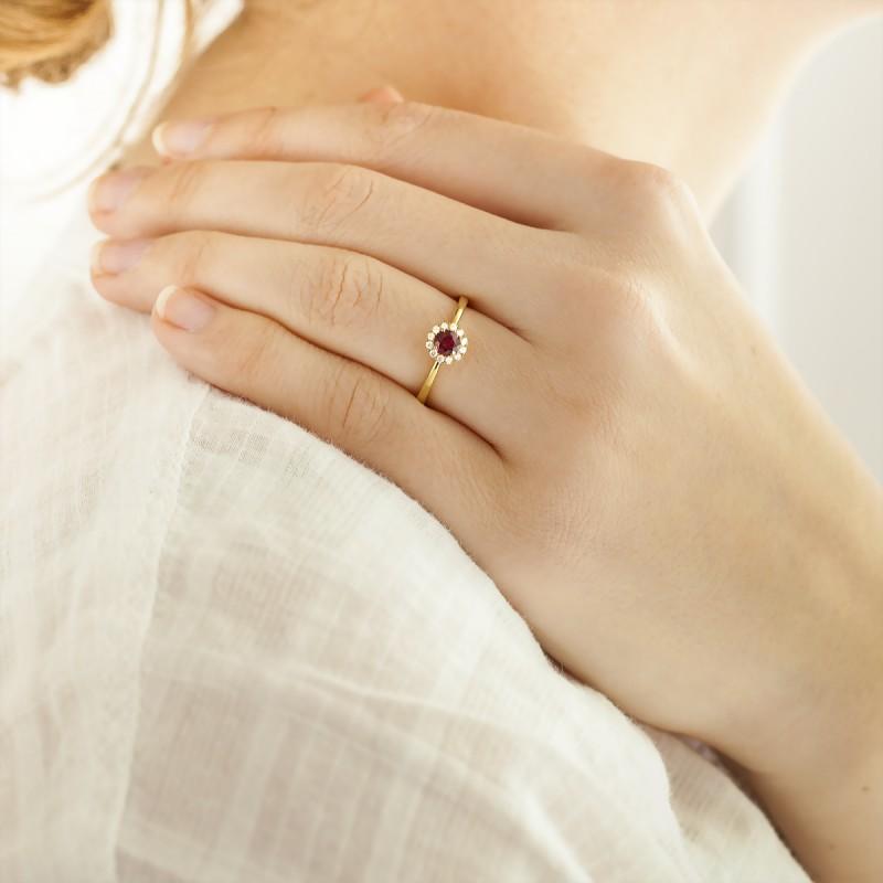 1b473f4c73ef Anillo solitario de oro amarillo 18k - Diamond Lady - Ocarat