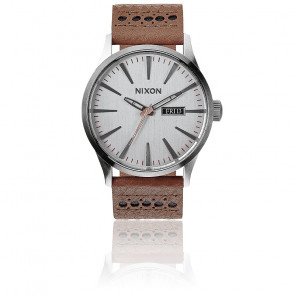 Reloj The Sentry Leather Saddle/Silver